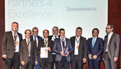 The winners of Jungheinrich Austria Vertriebsges. m.b.H. with congratulators Alfred Felder and Bernard Motzko from the Zumtobel Group Management Board, Miro Ardan as SVP Global Purchasing, as well as President of the Economic Chamber of Vorarlberg ...