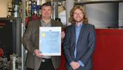 Recognition for enhanced energy efficiency: Managing Director Ralph Maier and Environmental Officer Peter Frieß are delighted at the EU certificate.